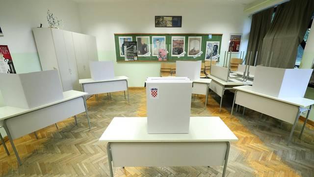 DIP objavio tehničke upute za izborni dan: Maske obvezne i na otvorenom ako nema razmaka