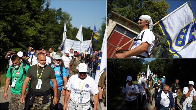 'Marš mira' kraći i s manje ljudi: 25. obljetnica genocida u Srebrenici u znaku korone