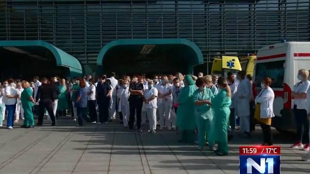Prosvjed liječnika KB Dubrava: 'Covid pacijente su pretvorili u pacijente drugog reda'