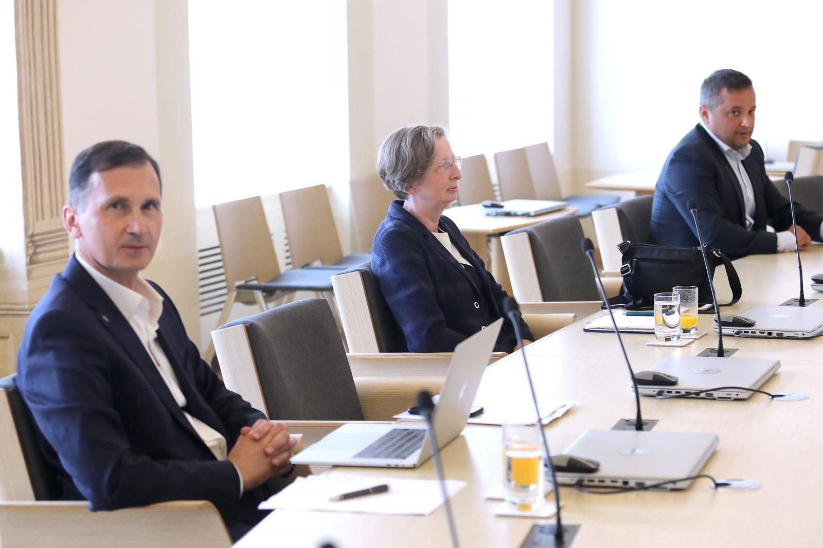Zagreb: Održana je sjednica Vladinog Znanstvenog savjeta za borbu protiv pandemije koronavirusa