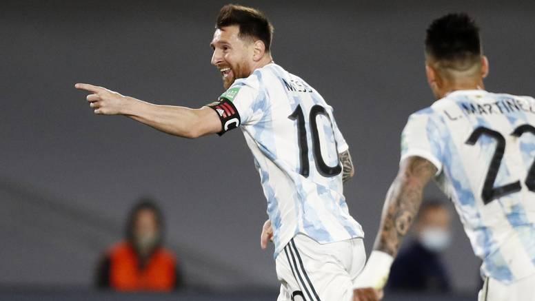 Nevjerojatan Messijev gol: Htio ubaciti, a lopta završila u mreži!