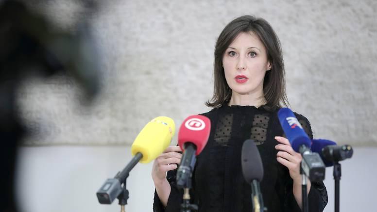 "Protiv Zakona o obnovi troje zastupnika, Orešković kaže: ""To je obični predizborni pamflet"""