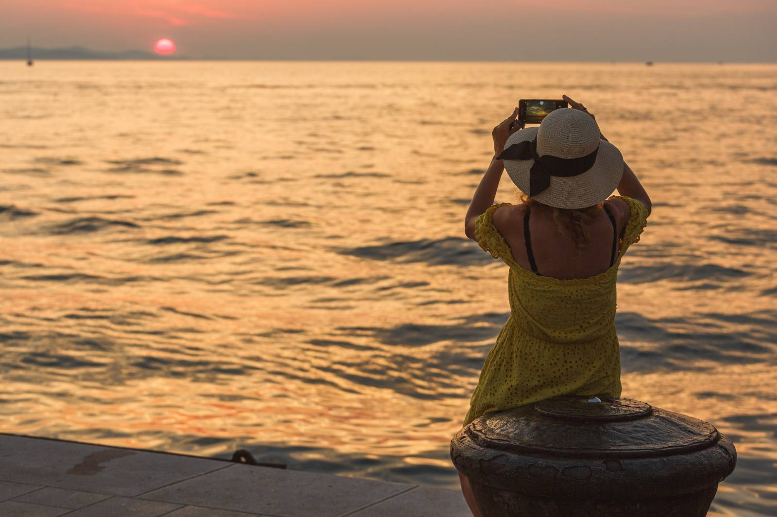 Turisti u Zadru uživaju u jednom od najljepših zalazaka sunca na svijetu