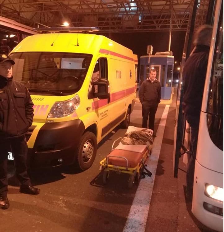 Krenuli trudovi: Žena rodila u autobusu na prijelazu Bregana