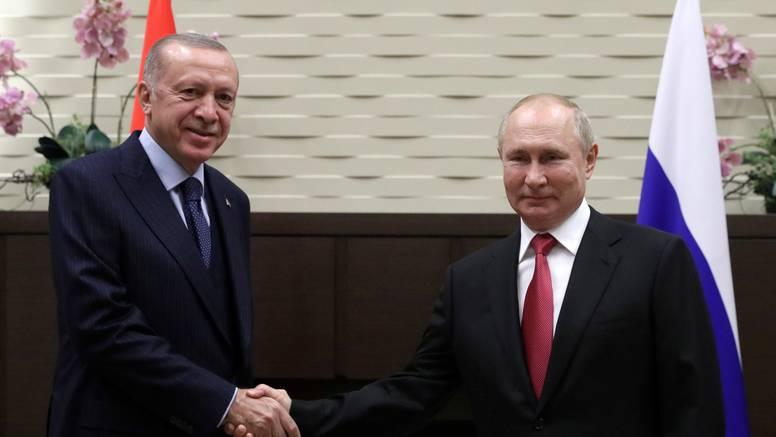 Predsjednici Putin i Erdogan razgovarali o Siriji i obrani