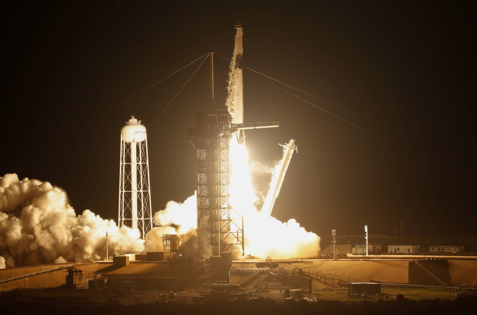 SpaceX Falcon 9 rocket lifts off to ISS from Kennedy Space Center