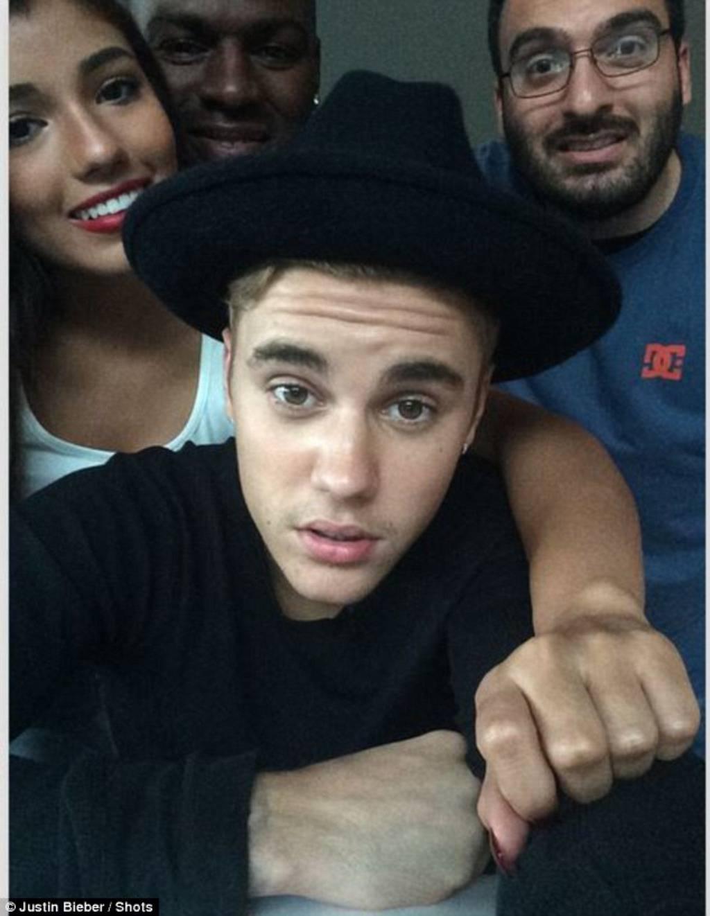 Justin Bieber/Shots