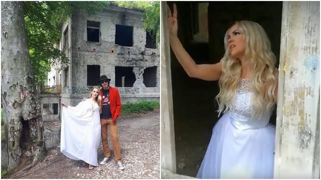 Jako slični spotovi: Seksi BB Anezi je iskopirala Slađu...