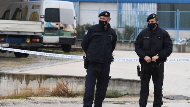 Nakon četverostrukog ubojstva u jutarnjim satima nastavljen očevid policije u Šibeniku