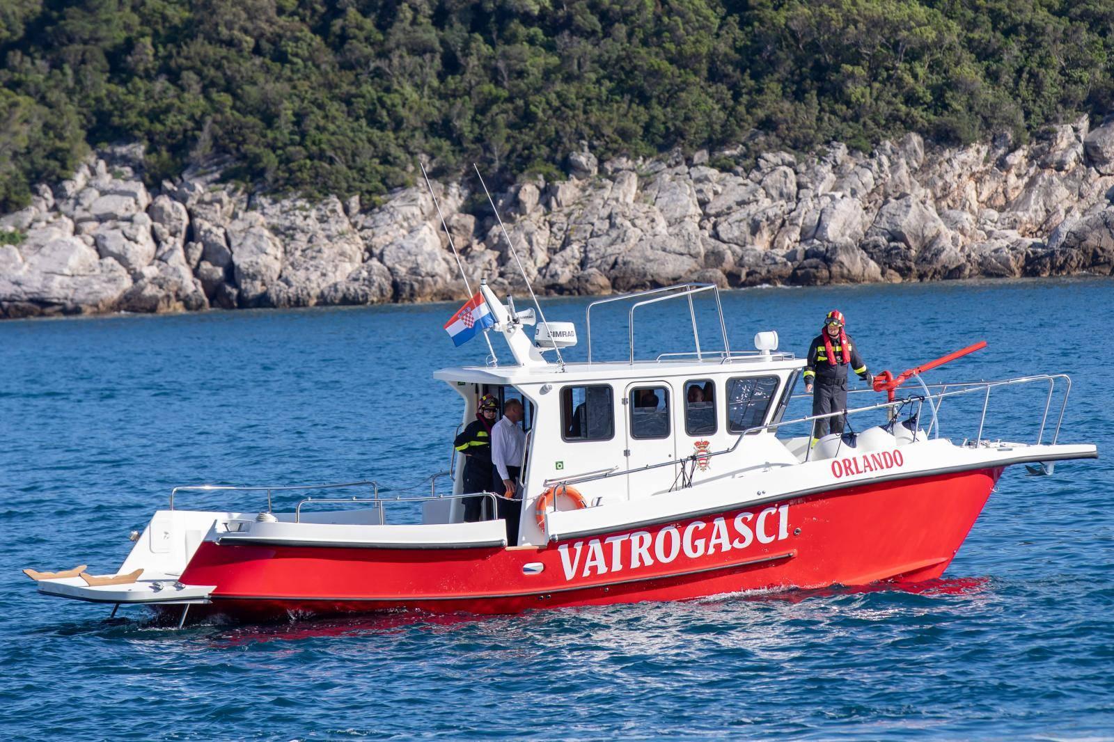 U Dubrovnik stigao novi vatrogasni brod Orlando