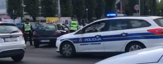 Policija traži svjedoke nesreće u Novom Zagrebu: Sudarili se na raskrižju Ukrajinske i Avenije...