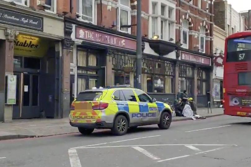 Teroristički napad u Londonu: Izbo ljude mačetom, upucali ga