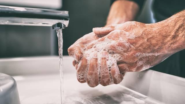 Doktor koji je udario temelje osnovnim higijenskim navikama: Perite svoje ruke!