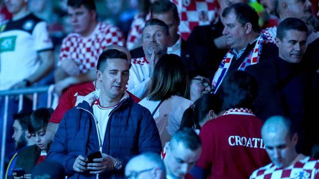 Stockholm: Hrvatske rukometaše bodri predsjednica sa suprugom te Zdravko Marić