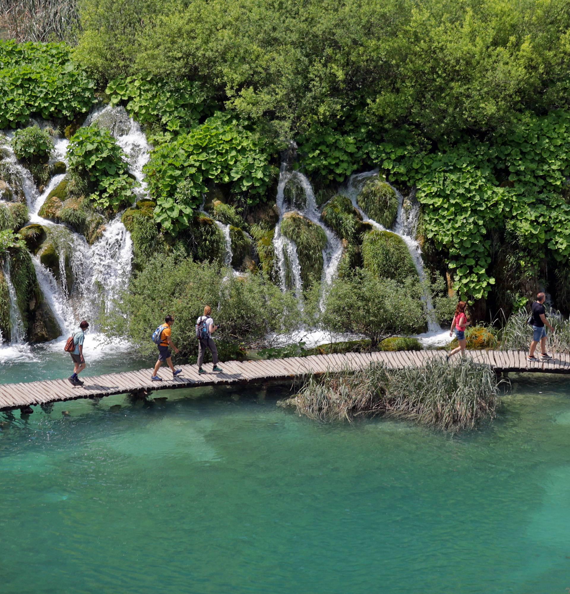 Planirate ovo ljeto na Plitvice? Jedna ulaznica  čak 250 kuna!