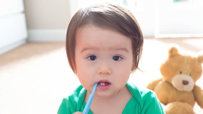 Roditelji oprez: Mala se djeca lako ozljede s četkicom za zube