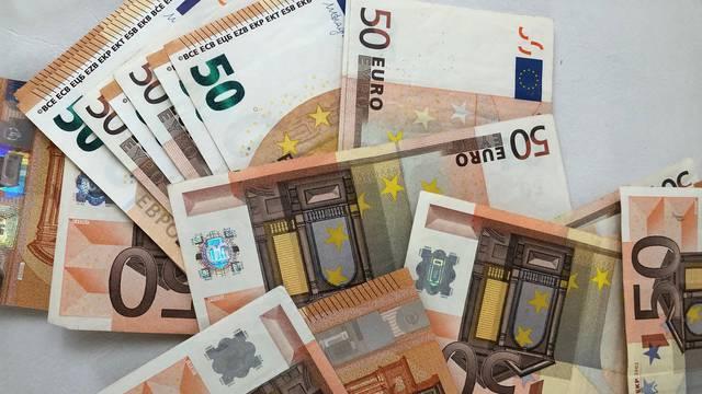 Prva dva tjedna plaćat ćemo kunama i eurima, strogo će se pratiti cijene da nas ne bi varali