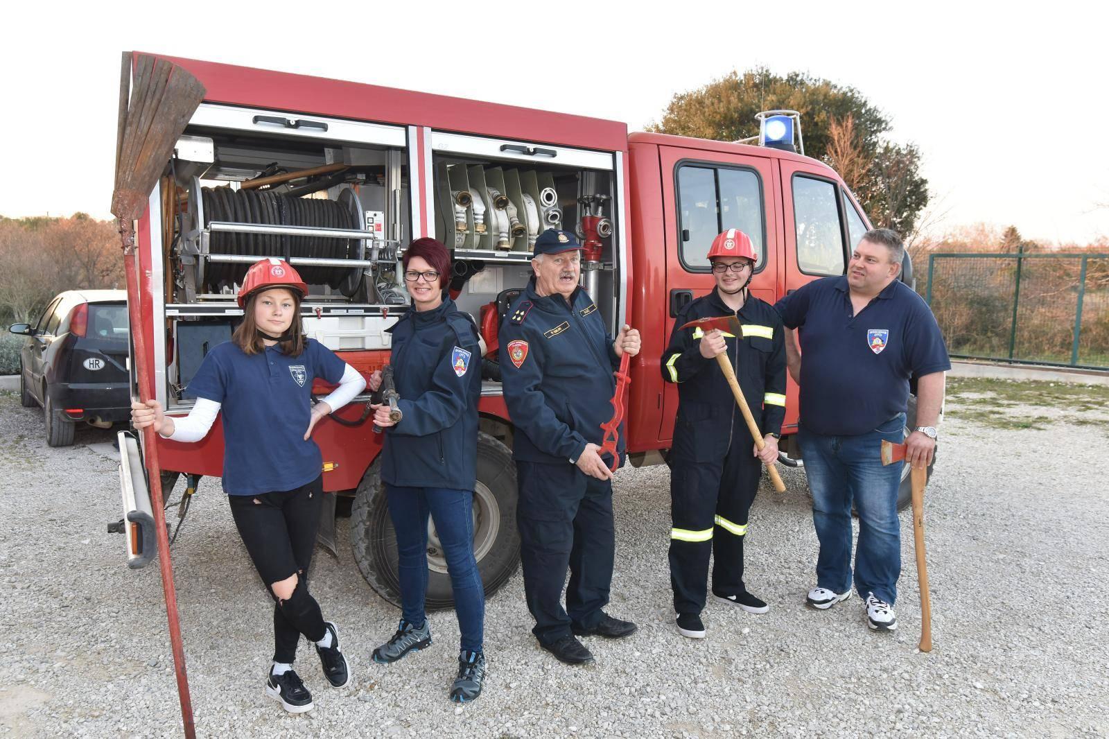 Obitelj vatrogasaca iz DVD-a Medulin: Gašenje nam je u krvi