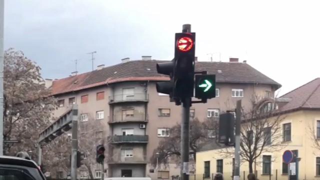 Što kada semafor u Zagrebu 'poludi'? Skrenuti desno ili ne?