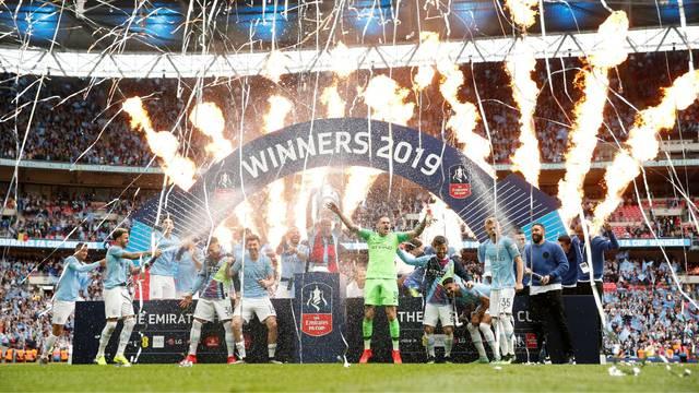 City je ispisao povijest! Prvi su Englezi s trostrukom krunom...