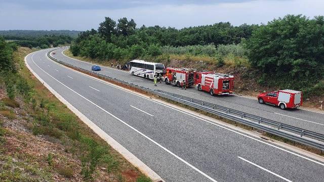 Zapalio se autobus na Ipsilonu: 'Vozač je sam primirio vatru prije dolaska vatrogasaca'