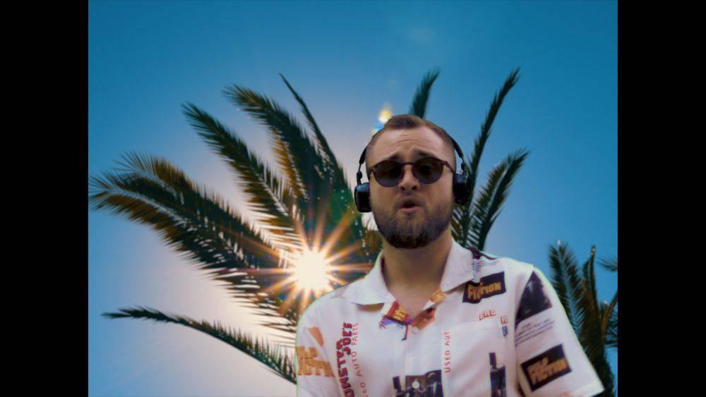 Matija Cvek nas novim singlom vodi na plažu!