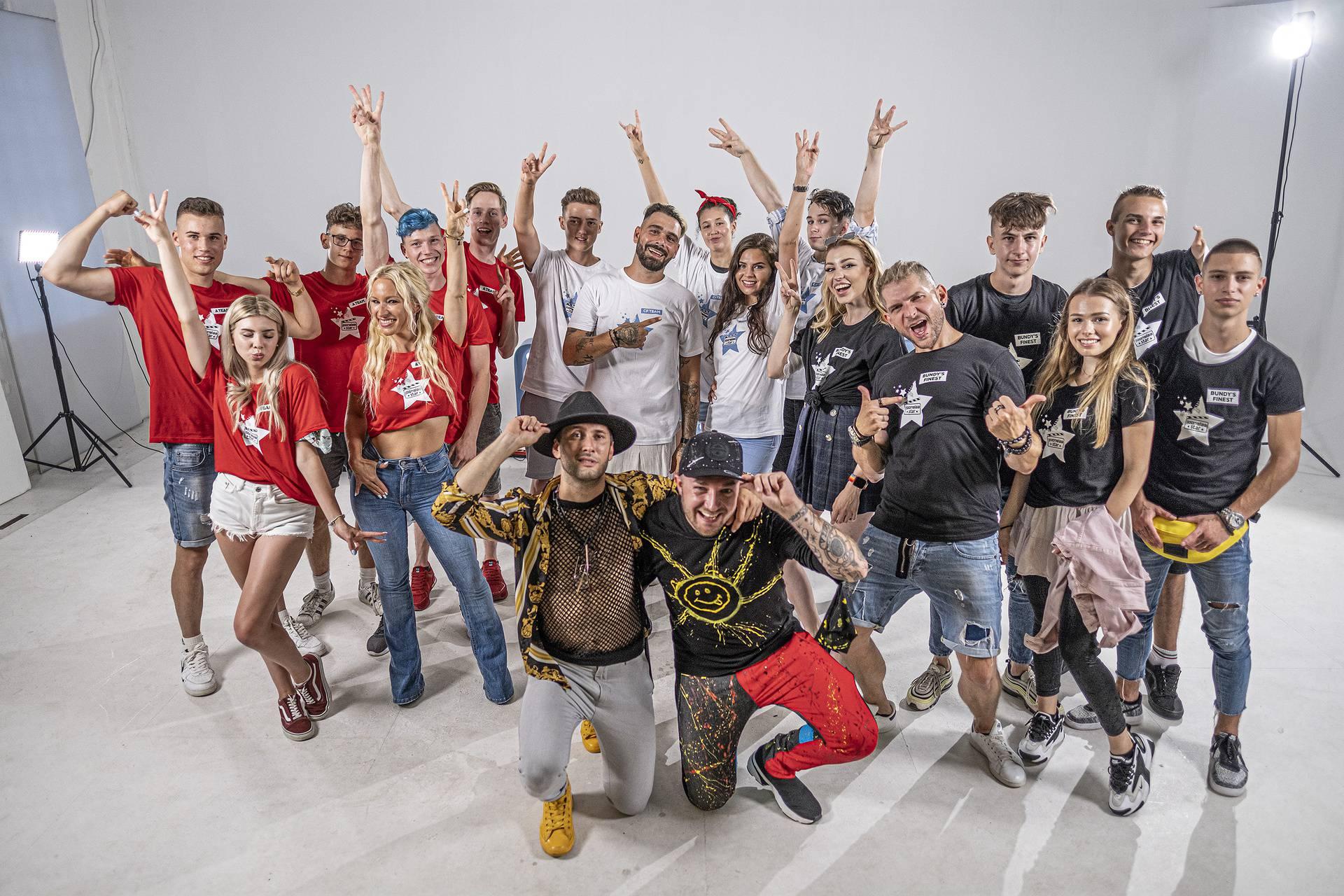 Slovenci imaju najzabavniji talent show, natjecatelje pitali: 'Tko je od vas biseksualan?'