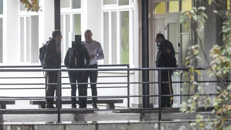 Učenik iz Krapinskih Toplica i dalje ne ide u školu: 'Svaki dan dođu, tata snima i onda odu'