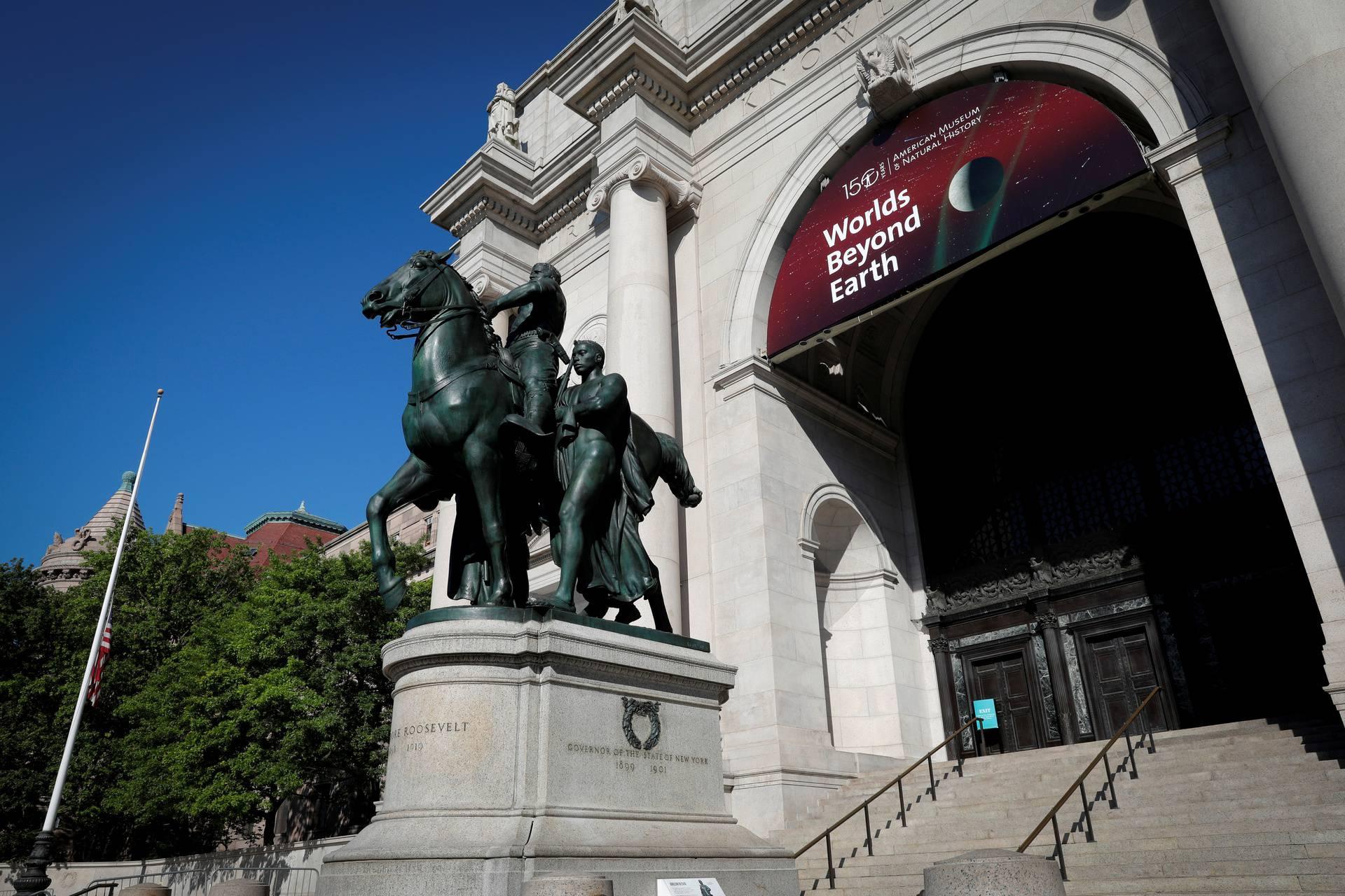 New York će ukloniti kip bivšeg predsjednika T.  Roosevelta zbog rasizma, Trump se protivi odluci
