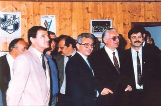 HDZ je s povijesne fotografije odlučio odrezati Jožu Manolića