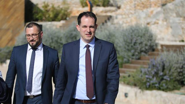 Šibenik: Dolazak ministra Marka Pavića i Ivana Malenice na tvrđavu Barone