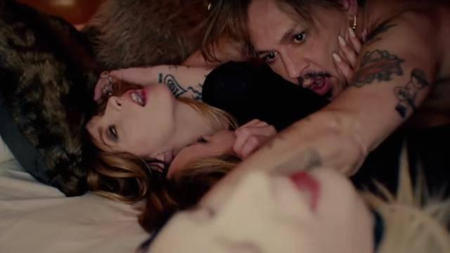 Marilyn Manson i Johnny Depp orgijali u klinču s tri ljepotice