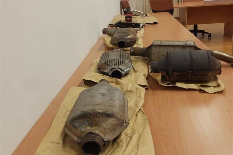 Četvorica krala katalizatore na području Rijeke, ukrali su ih 25