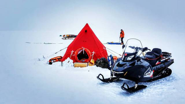 Biste li izdržali kampiranje na najudaljenijoj točki na Zemlji?