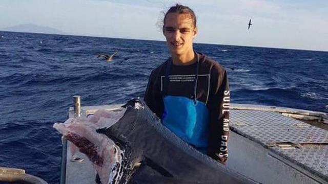 Ulovio je samo njegovu glavu: Što je ubilo ovog morskog psa?