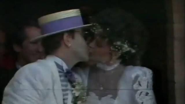 Bivša žena Eltona Johna htjela si je nauditi dok su bili u braku