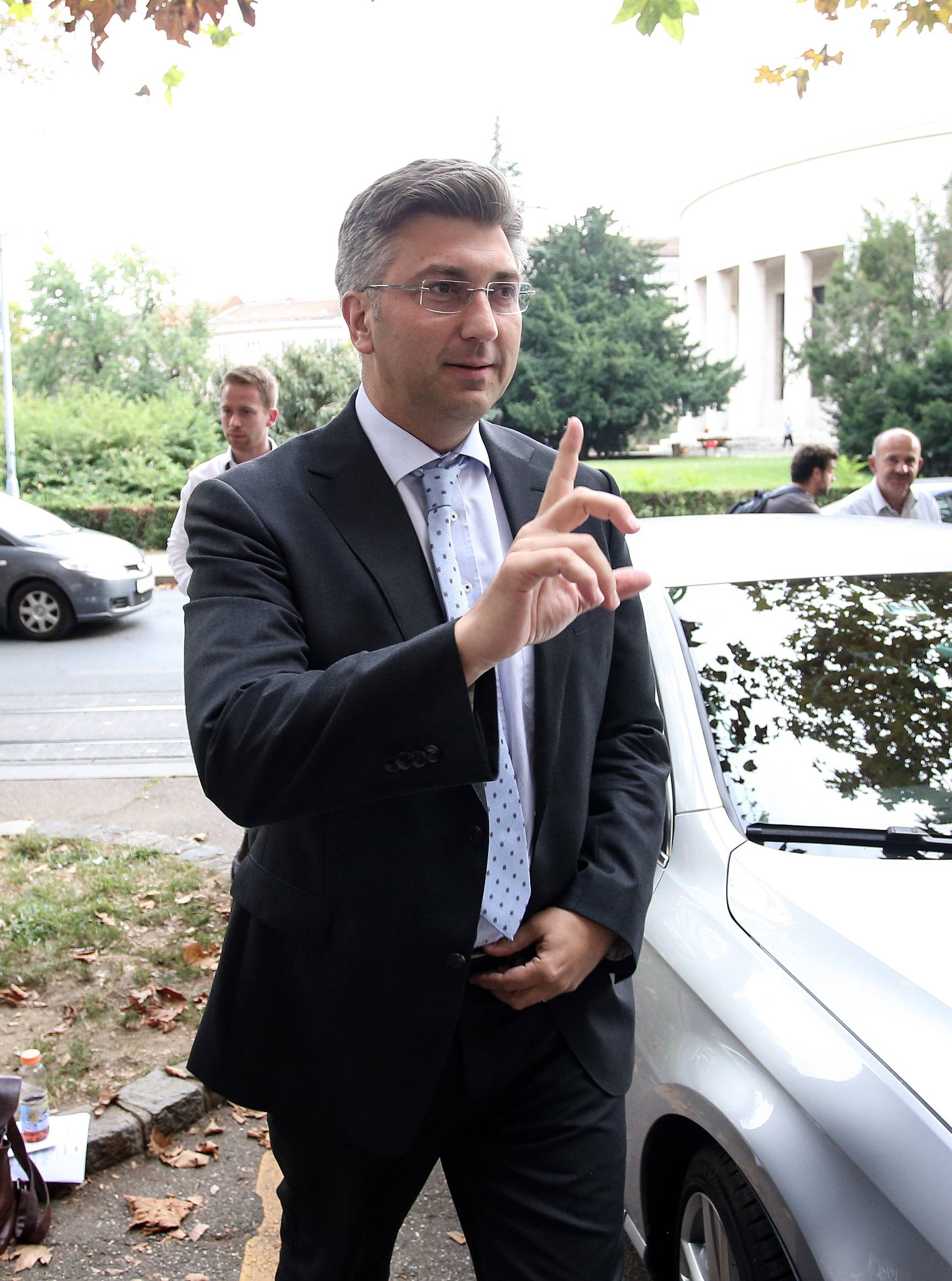 Plenkijeva družina za Vladu: Tko će sve popuniti 19 fotelja