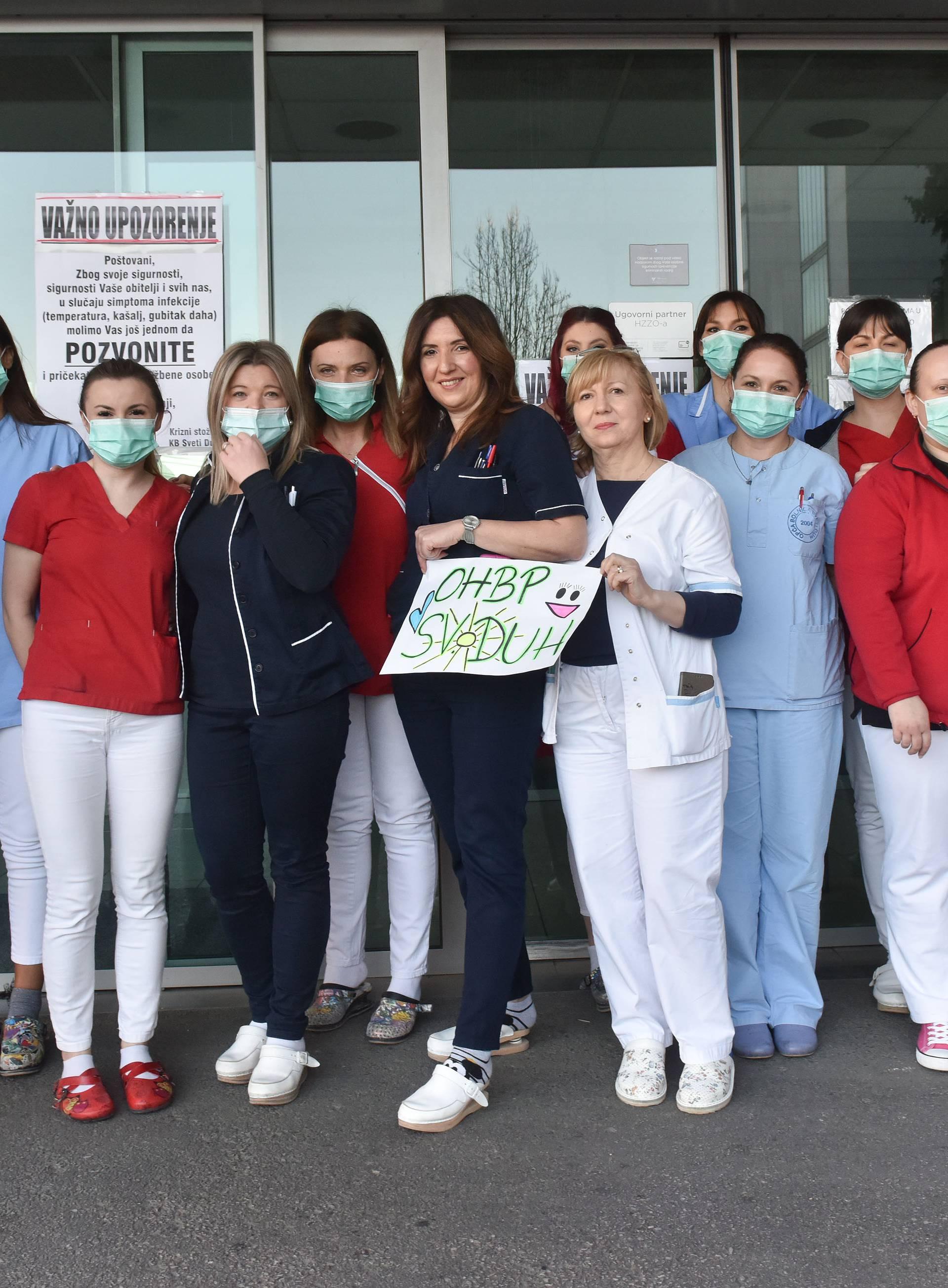 Poruke podrške: 'Zadržavamo svoje suze i dajemo osmijeh'