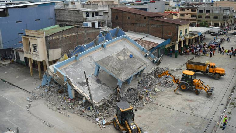 Potres u Ekvadoru: Broj žrtava raste, pronađeno je 350  tijela