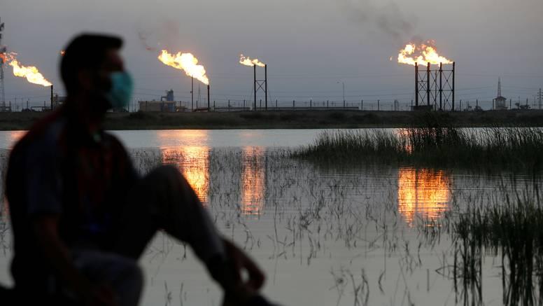 Velika naftna mrlja stigla je do obale Kalifornije, zatvorili plaže