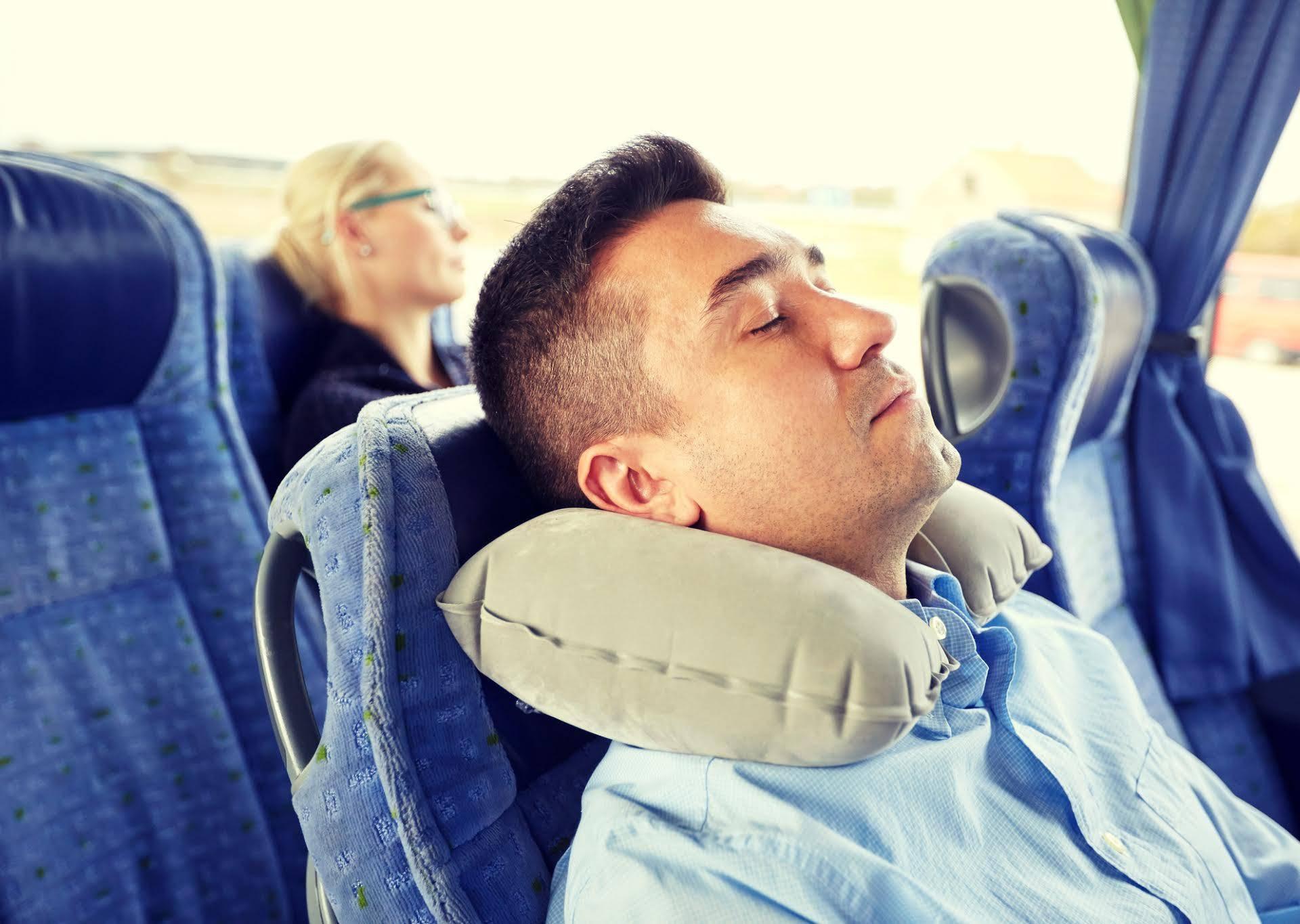 Putujete avionom? Evo kako se može spriječiti umor i 'jet lag'