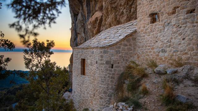 Interpretacijski centar Veliki Kaštel dodatni/novi je razlog za posjetiti Makarsku