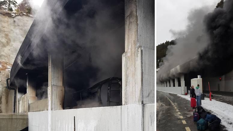 Planuo bus pun Hrvata: 'Guma se zapalila ispod naših sjedala'