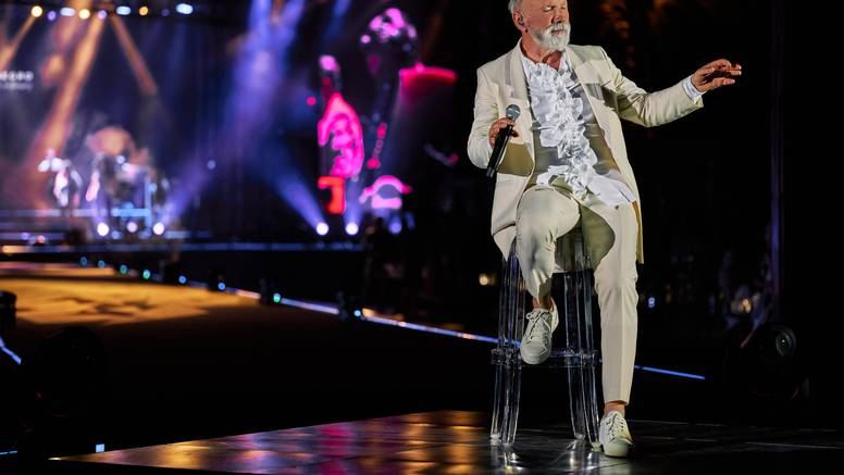 Dino Merlin koncert je posvetio majci: 'Pitam se bi li bila sretna'