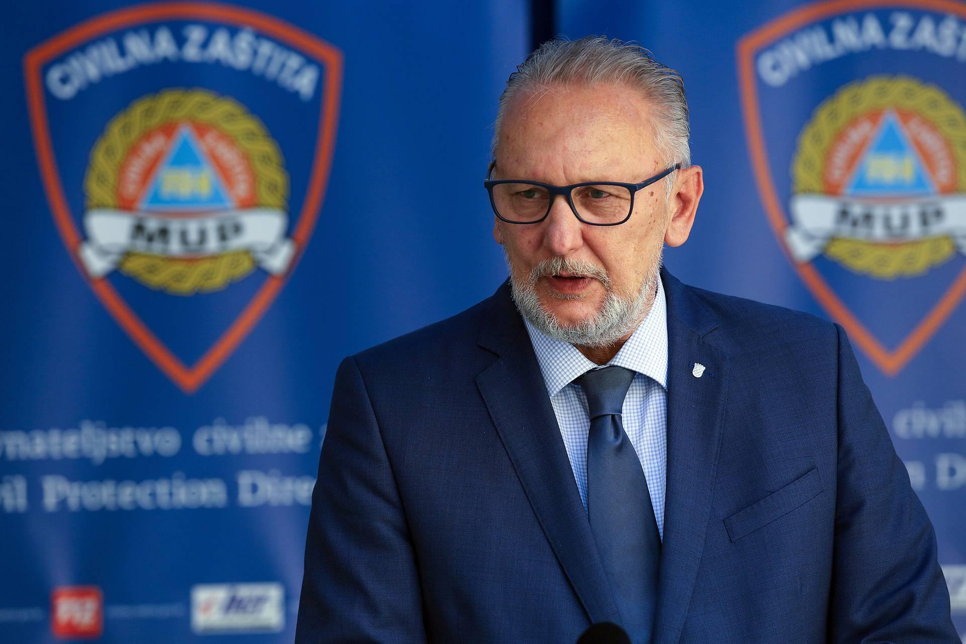 'Policajci će imati kamere, nema čekanja na šalterima, a osobne iskaznice će biti i zdravstvene'