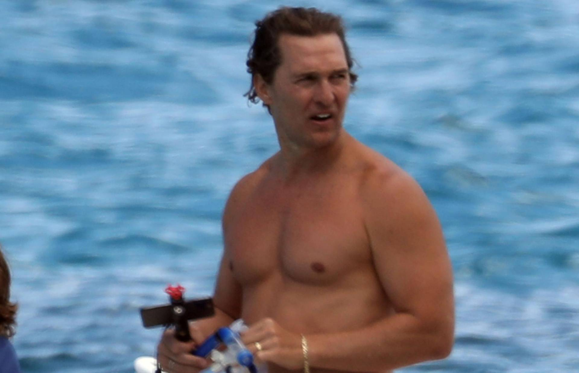 *PREMIUM EXCLUSIVE NO WEB UNTIL 12PM EDT 25TH JULY* Matthew McConaughey and Camila Alves enjoy a boat trip in Hawaii