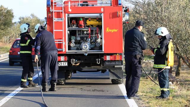 Spaljivao suhu travu i zapalio dva automobila kod Varaždina