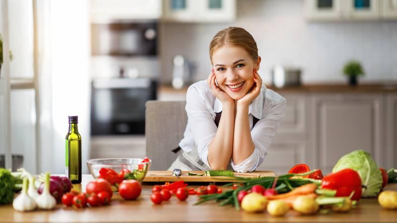 U četvrtak uz novine darujemo kuharicu s top ljetnim receptima