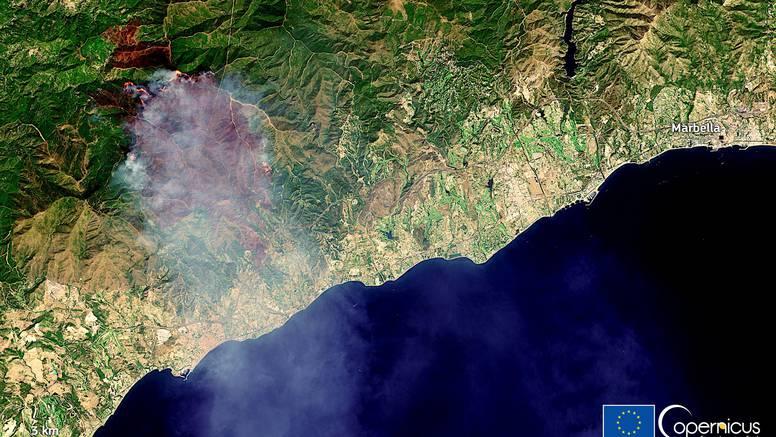 Ogroman požar hara Malagom, ljudi bježe, poginuo vatrogasac