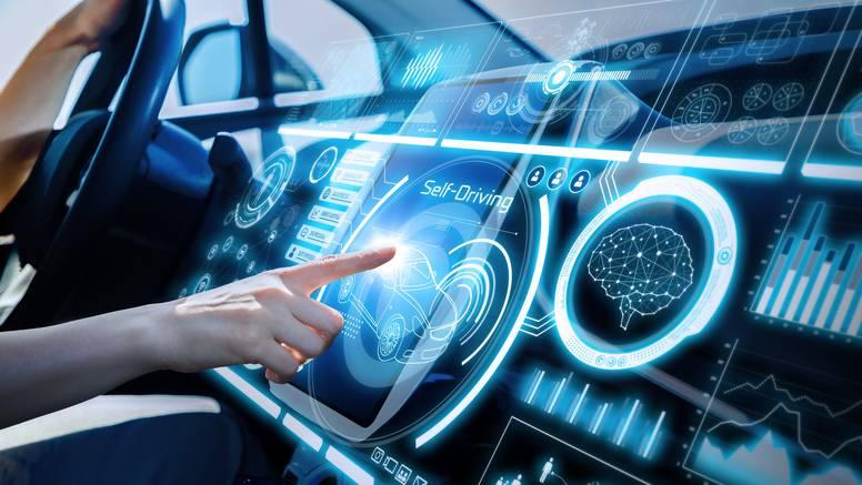 Povezana će vozila 40 puta brže od čovjeka predviđati i reagirati na prometnu nesreću